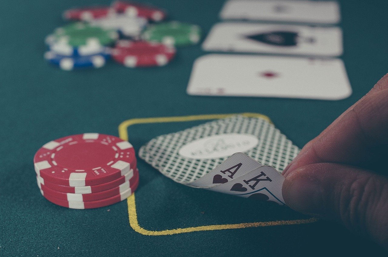 كيف ألعب Live Casino Holdem